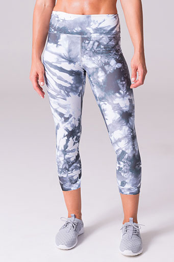 daub active riley capri yoga leggings glacier