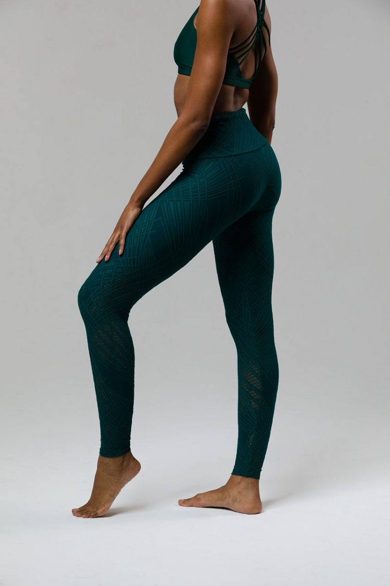 Onzie Selenite Yoga leggings midi cropped green