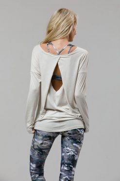 Onzie diamond back ivory long sleeve top yoga