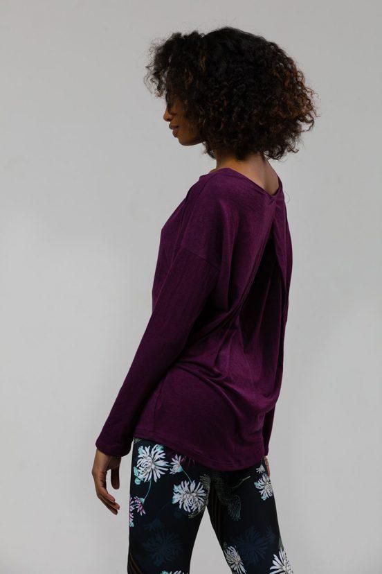 onzie diamond back long sleeved yoga top aubergine