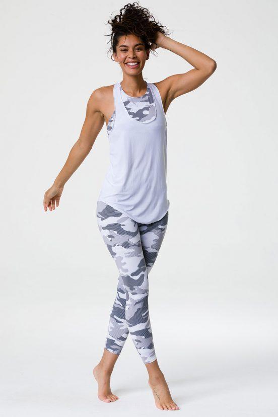 onzie_glossy_flow_tank_top_thunder_yoga