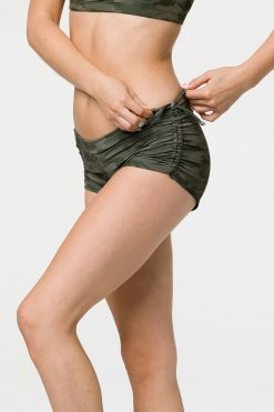 onzie_side_tie_yoga_short_moss_camo