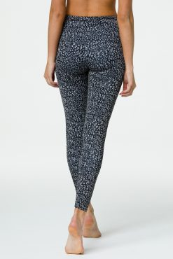 onzie tech yoga legging honey leopard