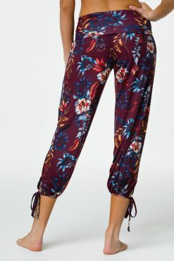 onzie_gypsy_yoga_pants_majestic_floral