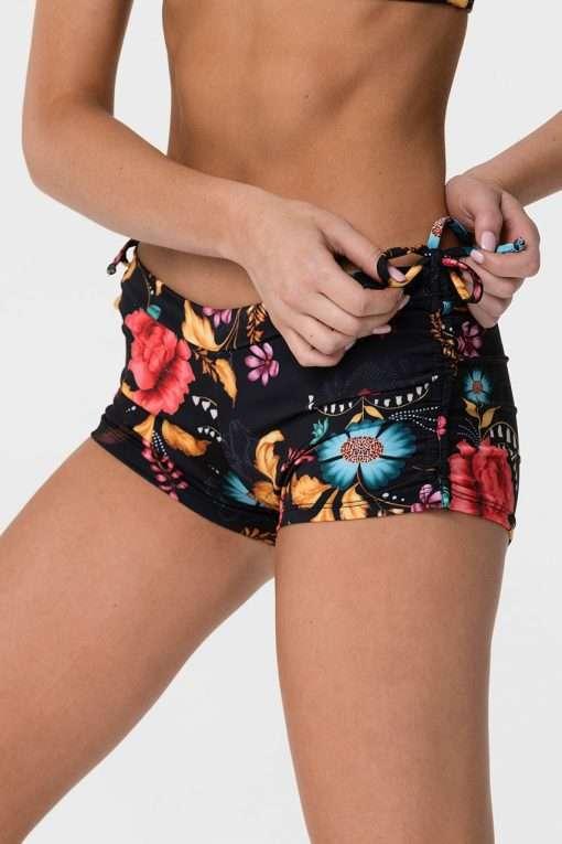 onzie_side_tie_hot_yoga_shorts_frieda