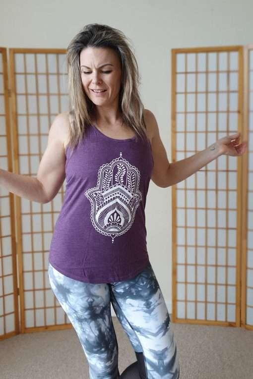 Oceanflow Yogawear Yoga Vest Top aubergine hamsa
