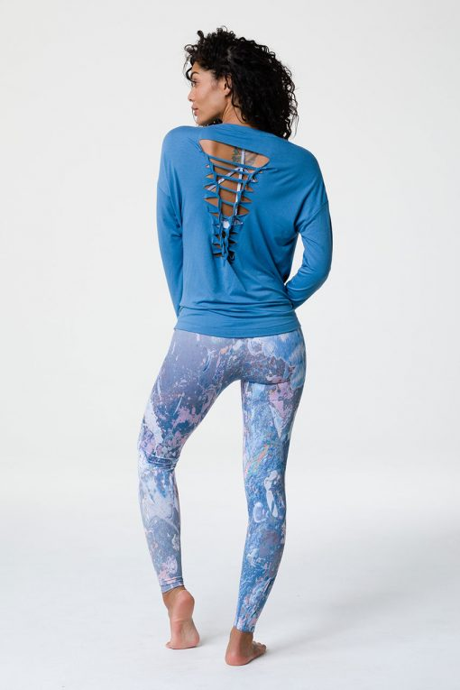 onzie braid back long sleeve yoga top pewter