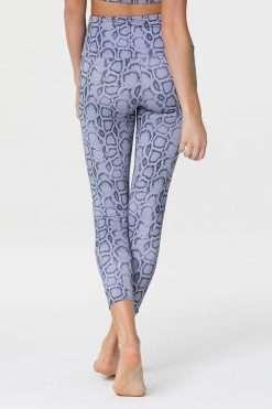 onzie lavender cobra midi yoga leggings