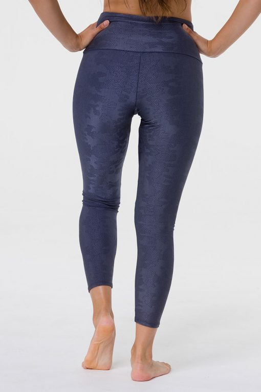 onzie jacquard midi yoga leggings carbon camo