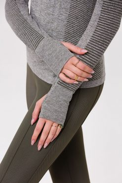 Onzie yoga Seamless Long Sleeve Top Olive Green